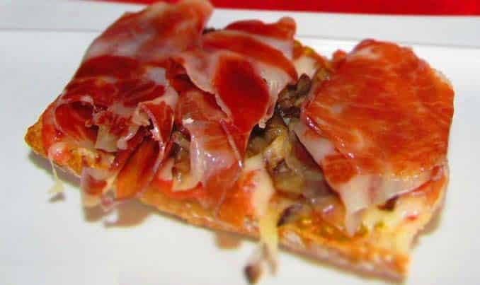 Receta - Tosta de JAMÓN IBÉRICO con champiñones y queso - San Valentín